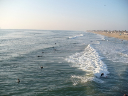 Huntington Beach is about 30 minutes away from my place. It's a pretty, cosy beach and the surfers are always there.